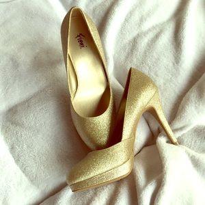 Fioni Gold glitter platform shoes